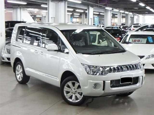 Spesifikasi dan Harga Mitsubishi Delica